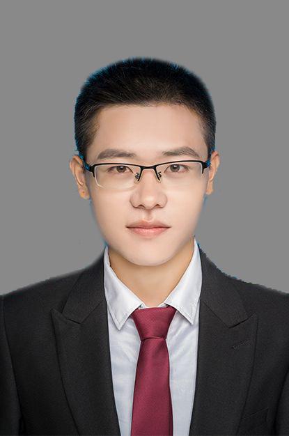 彭海华律师